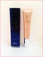 Тональный крем Dior Diorskin Nude BB creme