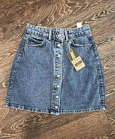 Женская юбка джинсовая с потертостями мини на кнопках