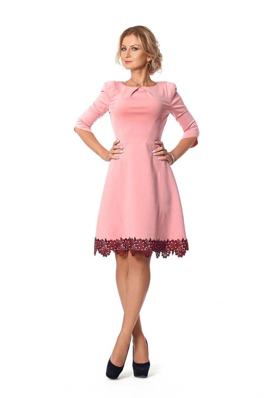 Женское платье с кружевом мини, рукава 3/4 1009 цвет пудра размер 44,48,50