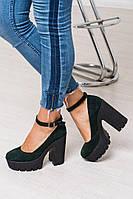 Замшевые женские туфли с ремешком зеленые