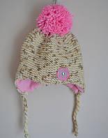 Зимняя детская шапочка с помпоном на завязках