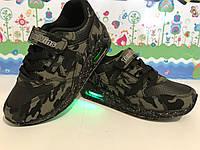 Стильные светящиеся кроссовки