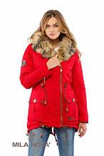 Зимняя женская парка прямого силуэта с несъемным капюшоном  опушка из натурального кайота  П-2 Красный