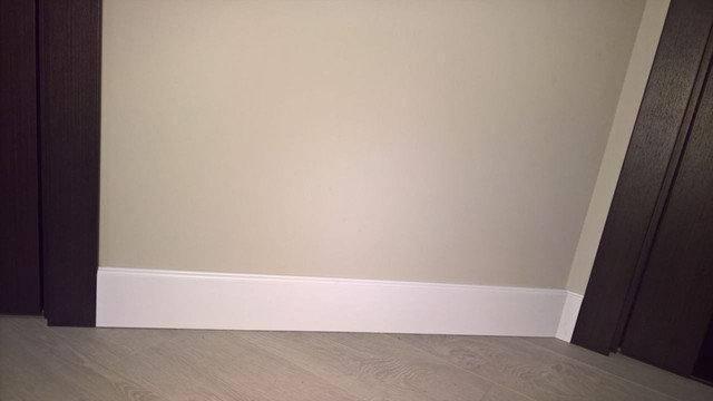 Частная квартира. Плинтус МДФ высокий белый крашеный