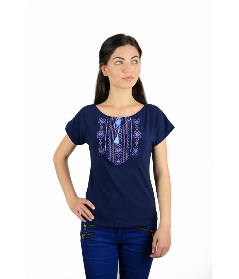 Футболка вишита жіноча. Футболка темно-синього кольору з вишивкою. Вишиті  футболки жіночі. d0848c3d3b211