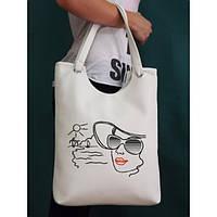 Сумка с нашивкой Дама в шляпе. Купить сумки оптом и в розницу по доступной цене.