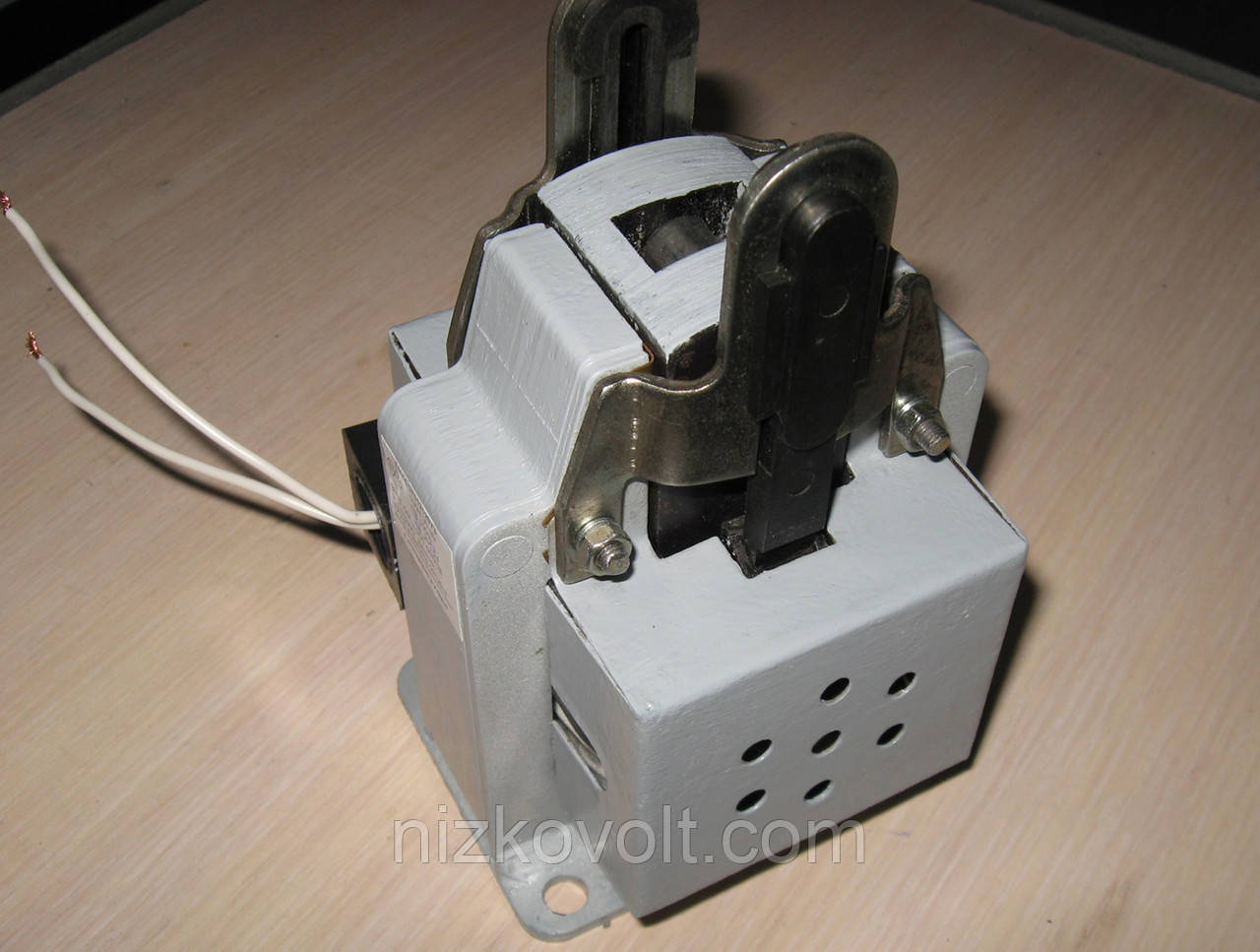 Низковольтная аппаратура «Электромагнит типа ЭМ 44-37-1321  (ТУ У 27.9-03972732-007:2013)»