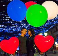 Композиция из светящихся шаров-гигантов и сердец