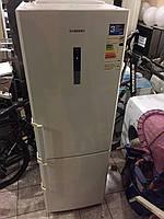 Холодильник Samsung RL46RECSW noFrost в идеальном состоянии.