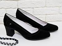 Туфли из натуральной замши черного цвета на не высоком устойчивом каблуке, Т-200