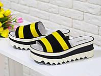 Шлепанцы летние из натуральной кожи желтого цвета в комбинации с черной замшей на платформе, коллекция Весна-Лето 2017, С-560