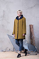 Демисезонное пальто прямого кроя с несъемным капюшоном