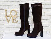 Сапоги женские из натуральной замши темно коричневого/шоколадного цвета на молнии с ремешком из кожи на устойчивом каблуке, Коллекция Осень-Зима,