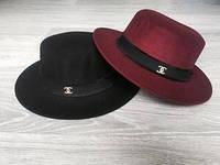 Стильная шляпка Канотье Chanel  Состав 💯 % фетр Объём 55-57 см 2 расцветки ,производство Китай еш № 0043