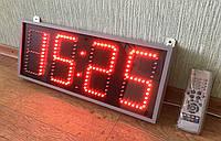 Компактные светодиодные яркие часы.