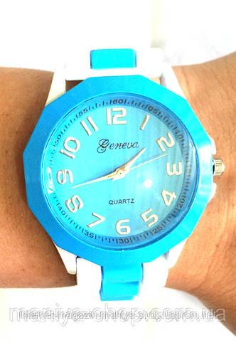 Часы Geneva на каучуковом ремешке