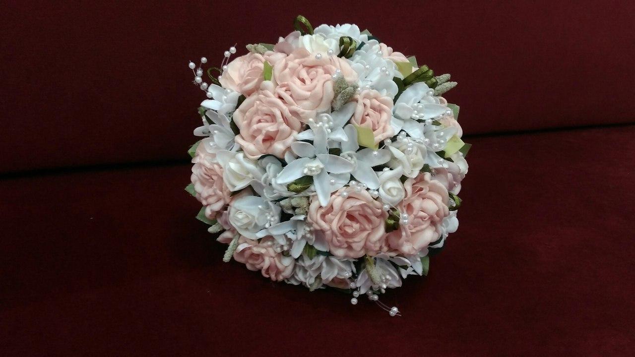 Весільний букет-дублер з персикових троянд