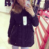 Черная зимняя курточка с натуральной опушкой