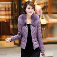 Женская короткая кожаная куртка. Меховой воротник. Модель 62128