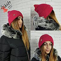 Малиновая стильная шапочка Снежинка
