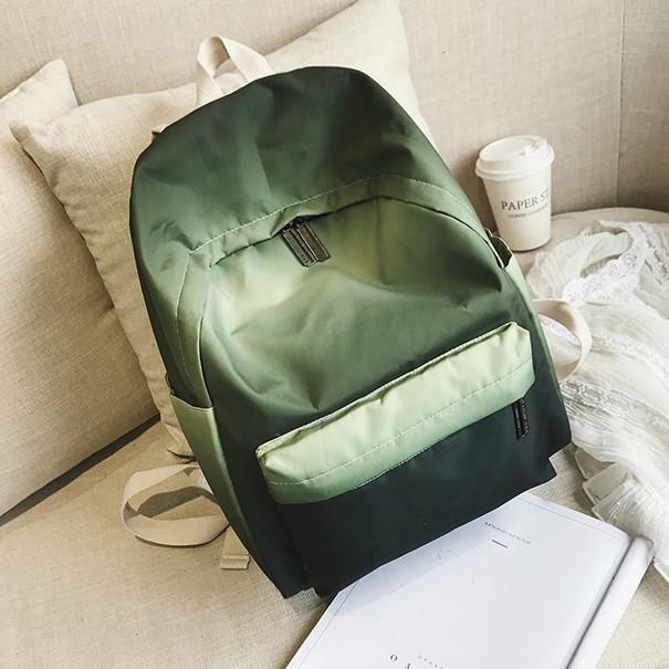 Яркий рюкзак из плащевки