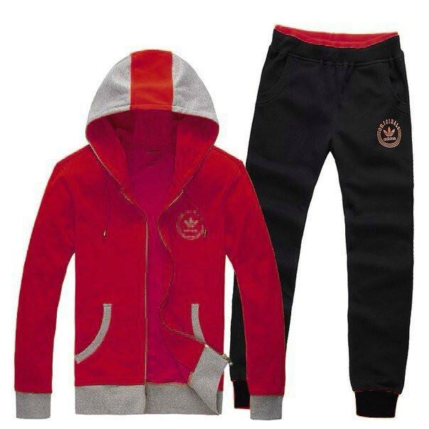 Спортивный костюм Adidas, красный верх, черный низ, с капюшоном R194