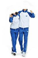 Спортивный костюм Adidas, белое туловище, голубые рукава, голубые штаны, R313