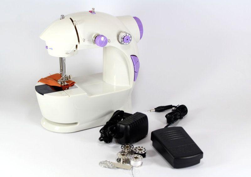Портативная швейная машинка 4 в 1 с адаптером 220 и педалью