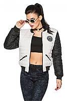 Черно-белая женская короткая комбинированная стильная демисезонная куртка-бомбер на резинке  .  Арт-2359/61