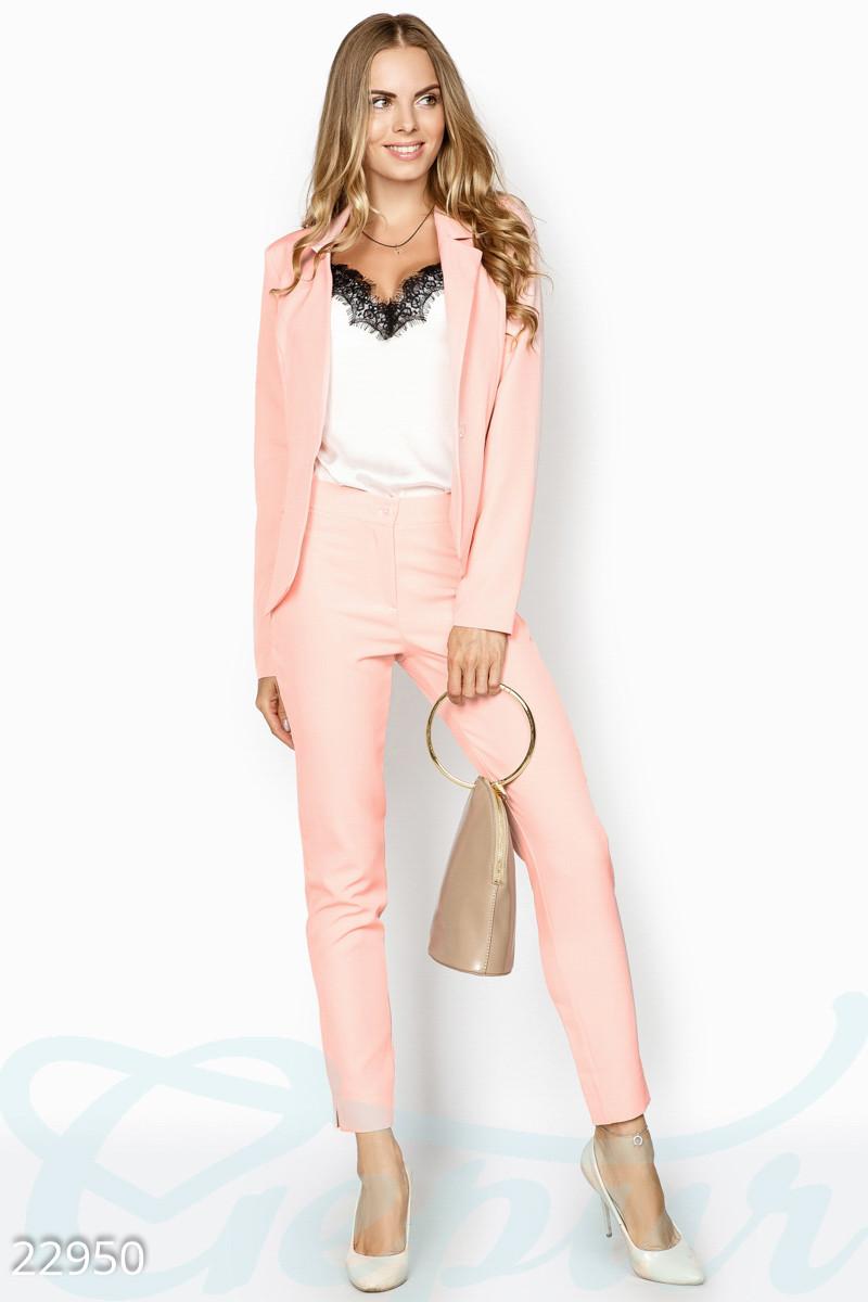 6c35ac04d34 Женский деловой костюм. Цвет нежно-розовый. - Гарна пані - е-магазин