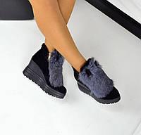 Зимние замшевые ботинки черного цвета с ушками и мехом кролика