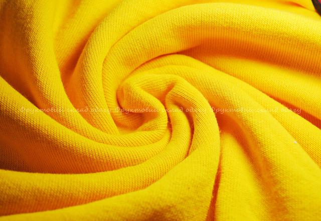 Солнечно-жёлтый  мужской  классический свитер