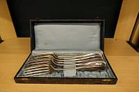 Вилки серебрянные(разные) в коробке