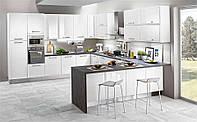 Белая глянцевая кухня в стиле модерн с каменной столешницей