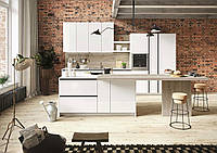 Маленькая белая кухня с островом и механизмом push-to-open