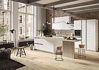 Белая глянцевая кухня в стиле модерн