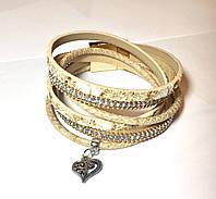"""Женский браслет-намотка """"Пайетки с мелким бисером, камнями и подвеской-сердцем"""" с магнитной застежкой"""