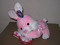Копилка кролик на подушке, муз.,22см