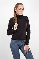 Вязаный женский свитер украшен крупным шахматным рисунком, черный