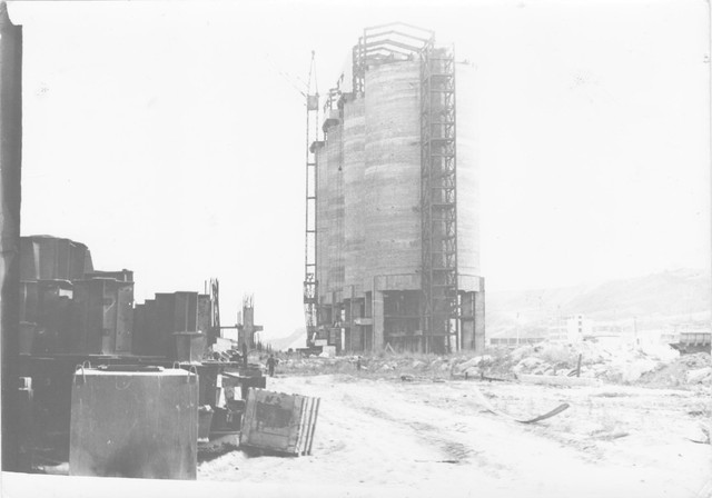 Монтаж надсилосной галереи силосного склада цемента емкостью 80 000 тн.