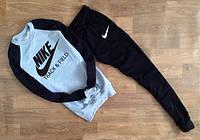 ТЕПЛЫЙ Спортивный мужской костюм Nike Track&Field серый с черным рукавом (большой черный принт)