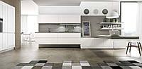 Белая кухня глянец с камнем, механизм открывания push-to-open