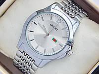 Мужские (женские) кварцевые наручные часы Gucci на металлическом браслете