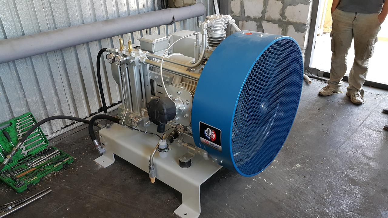 Воздушные компрессоры среднего давления  до 50 бар
