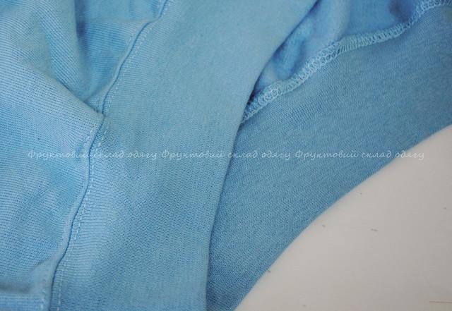 Небесно-голубой классический свитер