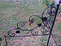 Оградка кованая.