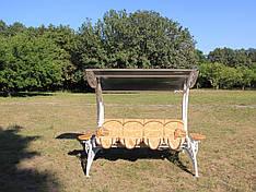 """Садовые качели """"Невеста"""" белого цвета (с мягкой частью), материал основы сидения - дуб"""