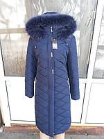 Женская куртка пальто с классическим приталенная силуэтом и натуральным мехом песца