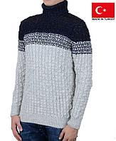 Теплый зимний свитер с высокой горловиной на мальчика-подростка.