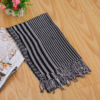 Стильный легкий женский шарф в полоску серого цвета